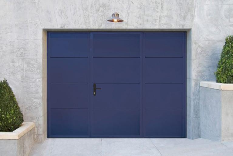 Arkadys 03 | Kipptor blau, Garagentor mit Gehtür | Svoboda Metalltechnik