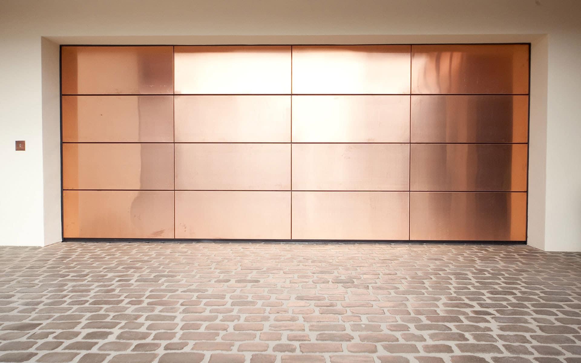 Customshop 03 | Sonderanfertigung Sektional-Garagentor Kupfer glänzend | Svoboda Metalltechnik