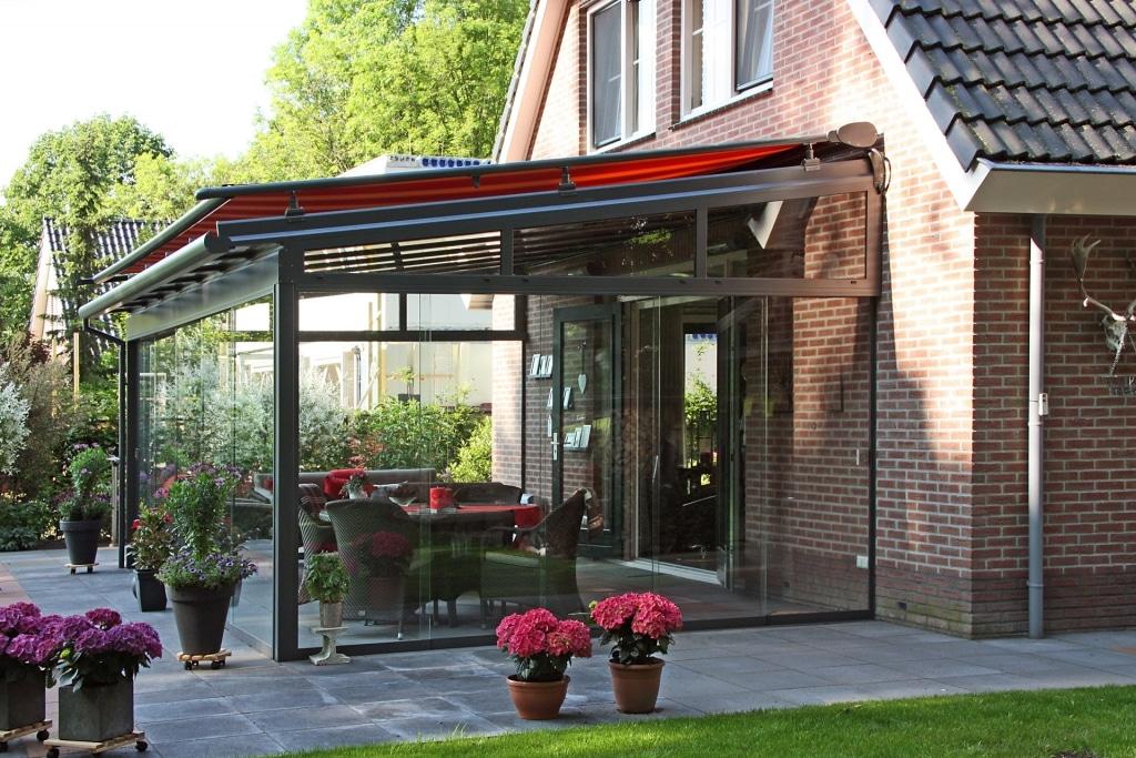 HS 03   Sommergarten-Markise als Hitzeschutz bei direkter Sonneneinstrahlung auf Glasdach   Svoboda