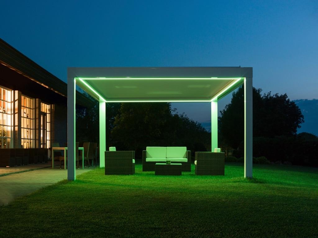 Opera LED 01 b | Bioklimatische Pergola mit Lamellen, LED-Beleuchtung grün-gelb | Svoboda