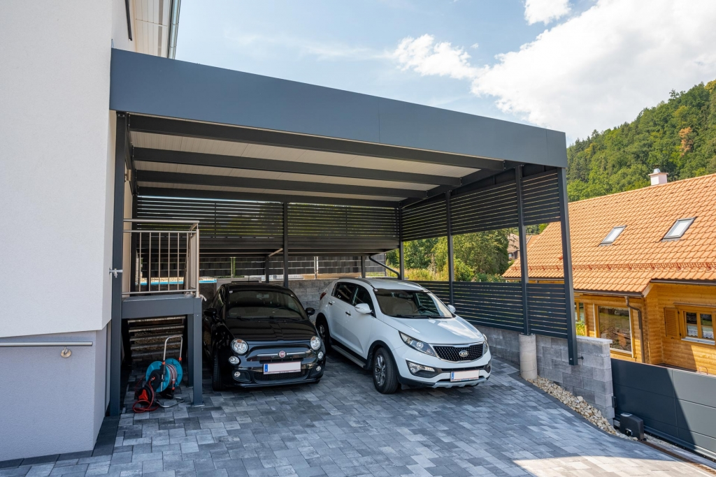 Sichtschutz 25 a | Querlattungssichtschutz bei Carport aus Alu anthrazit | Svoboda Metalltechnik