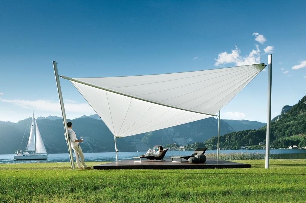 Sonnensegel C 01 b   weiß, geöffnet, am See mit Segelschiff, Pärchen beim Weintrinken   Svoboda