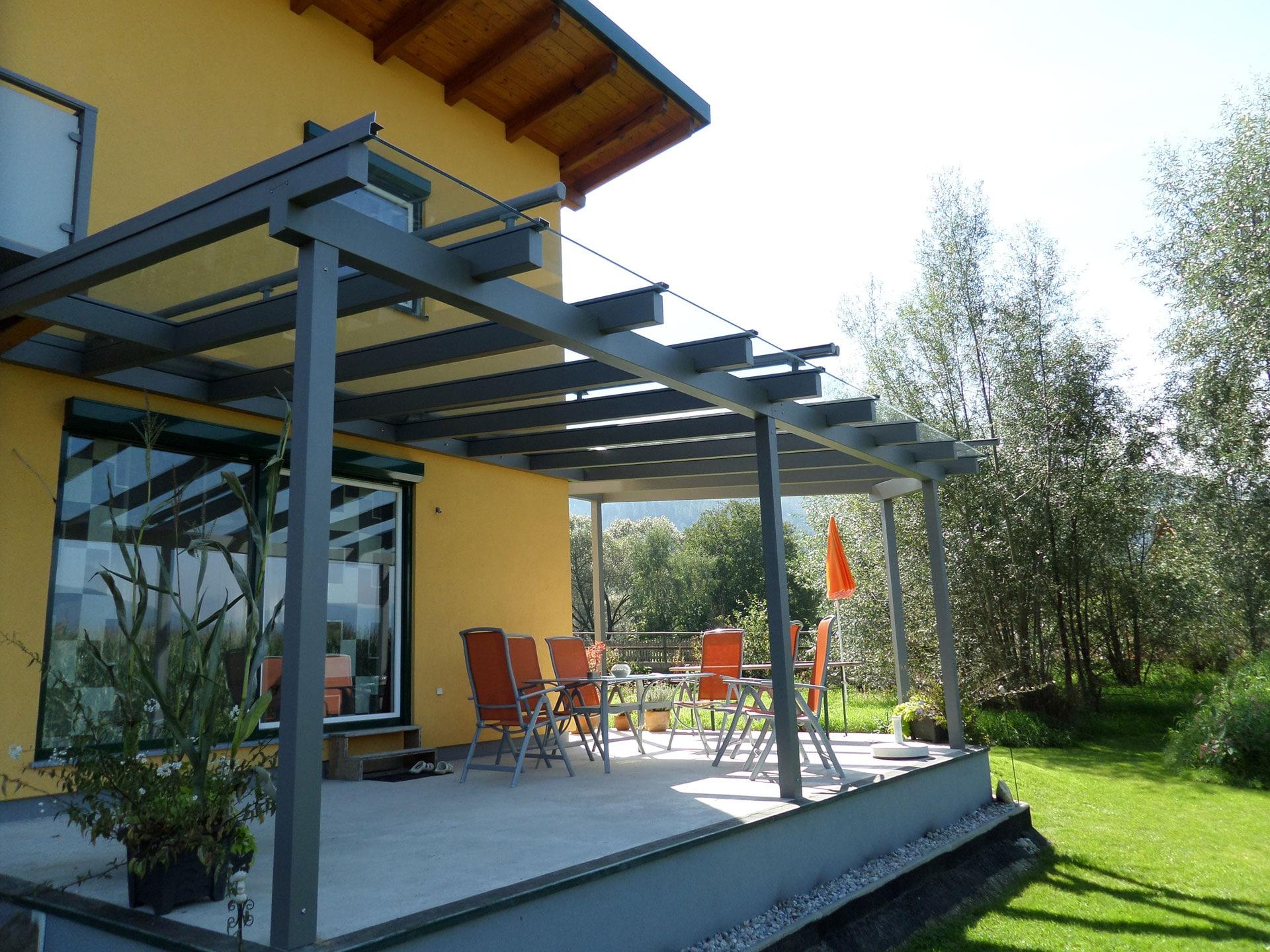 Terrassendach Alu 66   Überdachung bei Terrasse aus Metall grau beschichtet mit Klarglas   Svoboda