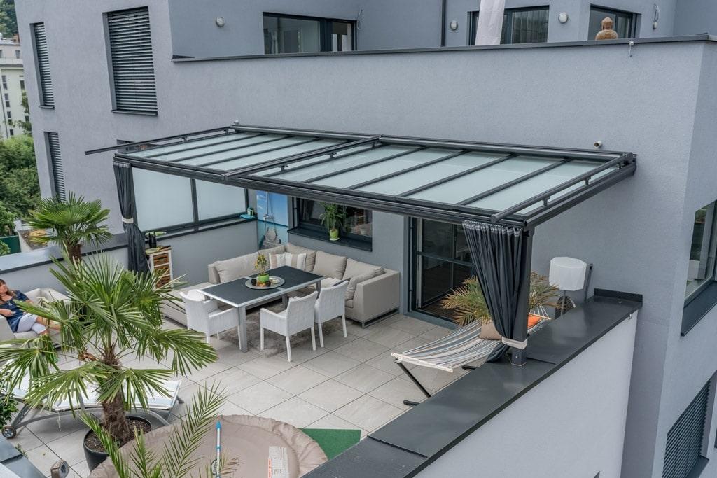 Terrassendach Alu 86 a | Alu-Glas-Dach auf Dachterrasse Draufsicht Mattglas & Alu-Sparren | Svoboda