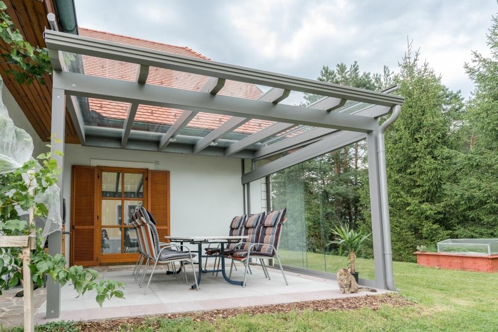 Terrassendach Alu 88 b  Klarglaseindeckung, Regenrinne & Regenablaufrohr, Aluminium grau   Svoboda