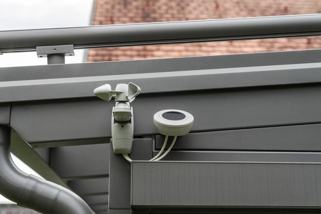 Terrassendach Alu 88 d   Detailbild Windwächter Sonnenwächter Regensensor für Markisen   Svoboda