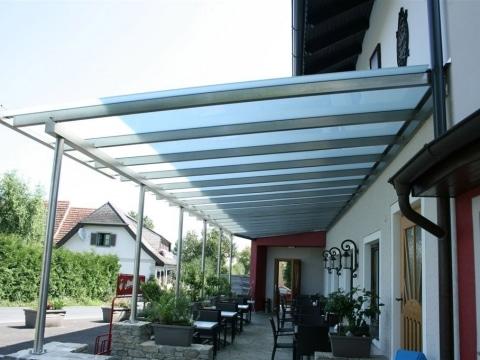 Terrassendach Niro 01 a | Überdachung bei Gastgarten aus Edelstahl mit Mattglas-Eindeckung | Svoboda