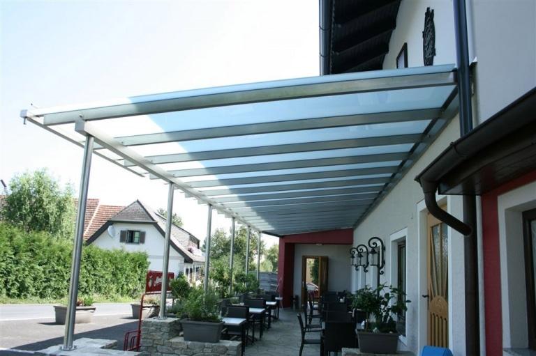Terrassendach Niro 01 a   Überdachung bei Gastgarten aus Edelstahl mit Mattglas-Eindeckung   Svoboda