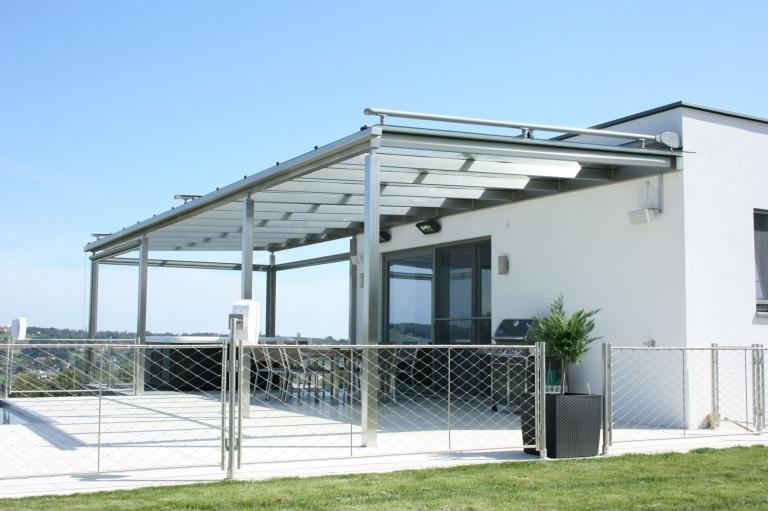 Terrassendach Niro 05 a   Edelstahl-Überdachung bei Poolhaus, mit Whirlpool und Sitzecke   Svoboda