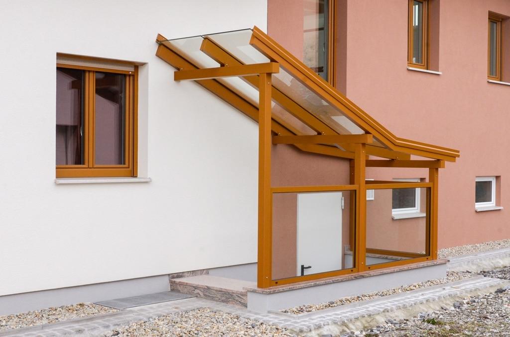Vordach Alu 32   Überdachung bei Kellerabgang mit Knick, seitlich verglast   Svoboda