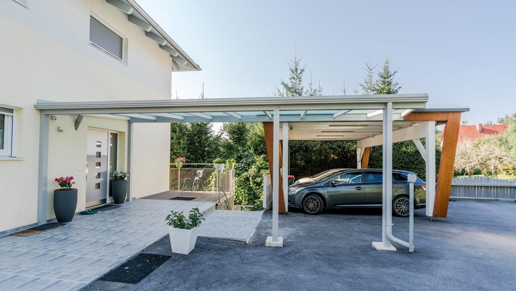 Vordach Alu 45 d | Eingangsüberdachung aus Metall weiß, Eingang bis Carport, Seitenansicht | Svoboda