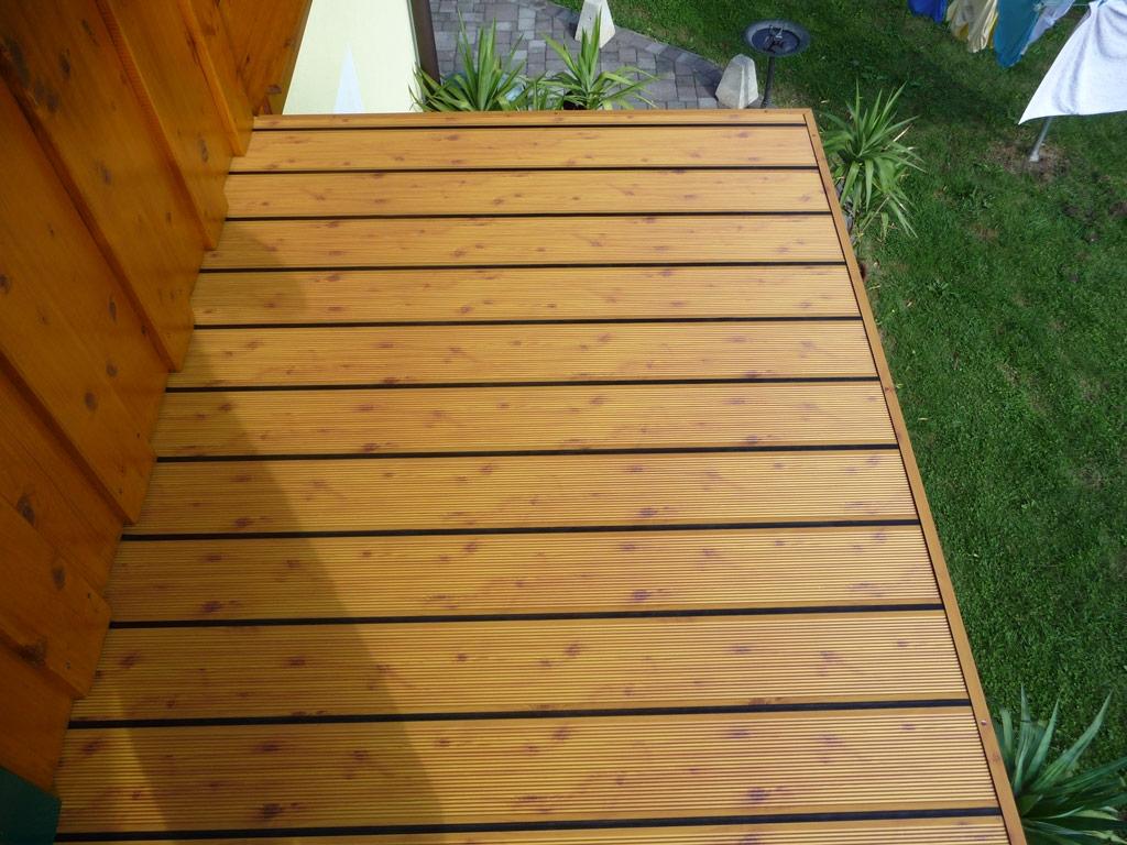 B Alu 05 H a | Outdoor-Aluboden bei Balkon, Holzlook mit Rillen und Kiefer Holz Optik | Svoboda
