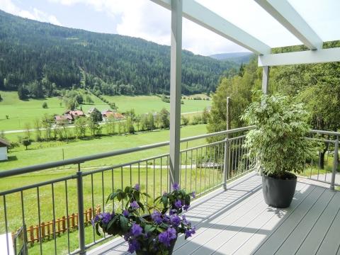 B Alu 14 b | Bodenbelag für den Außenbereich mit Rillen bei Terrassenzubau | Svoboda Metalltechnik