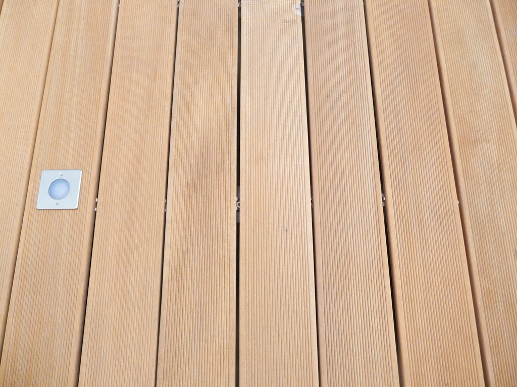 B Holz 05 c   Bangkirai Bodenbelag Überseeholz Echtholz für den Außenbereich ohne Dichtung   Svoboda