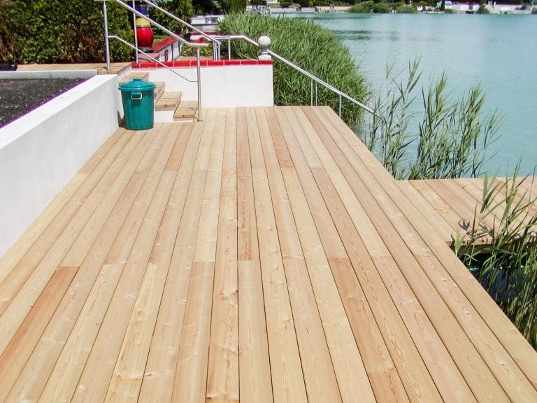 B Holz 06 | Terrassenboden aus Holz bei Teichsteg in Sibirischer Lärche | Svoboda