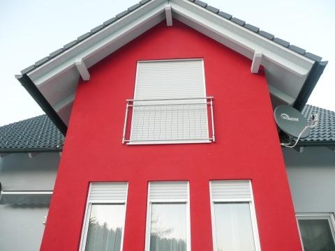 Berlin 11 b | Edelstahl-Geländer mit Stäben als Absturzsicherung bei Balkontüren | Svoboda Metall