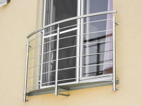 Bochum 04 b | Französisches Geländer bei Fenster, gebogene waagrechte Stäbe, stirnseitig | Svoboda