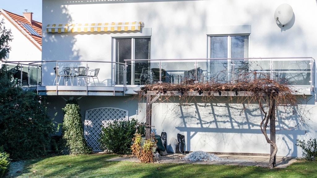 Bremen 63 b | Terrassengeländer mit 2 Glasarten, Grauglas und Klarglas, stirnseitig | Svoboda