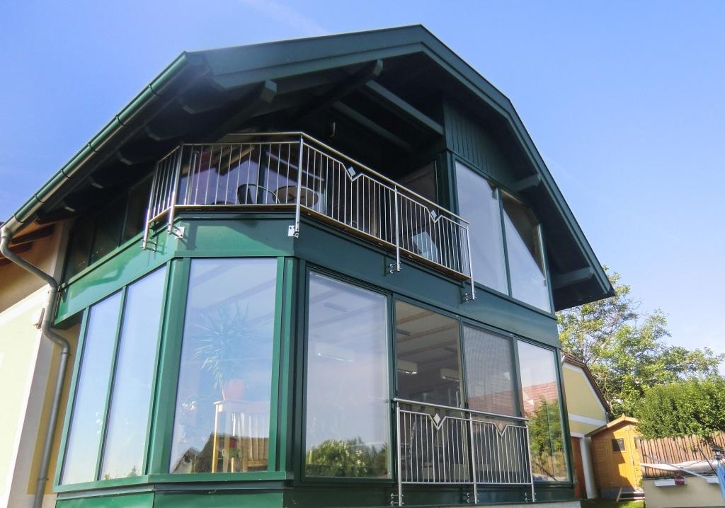 Mannheim 04 a | Außengeländer & Französischer Balkon aus Nirosta-Stäben vertikal mit Dekor | Svoboda