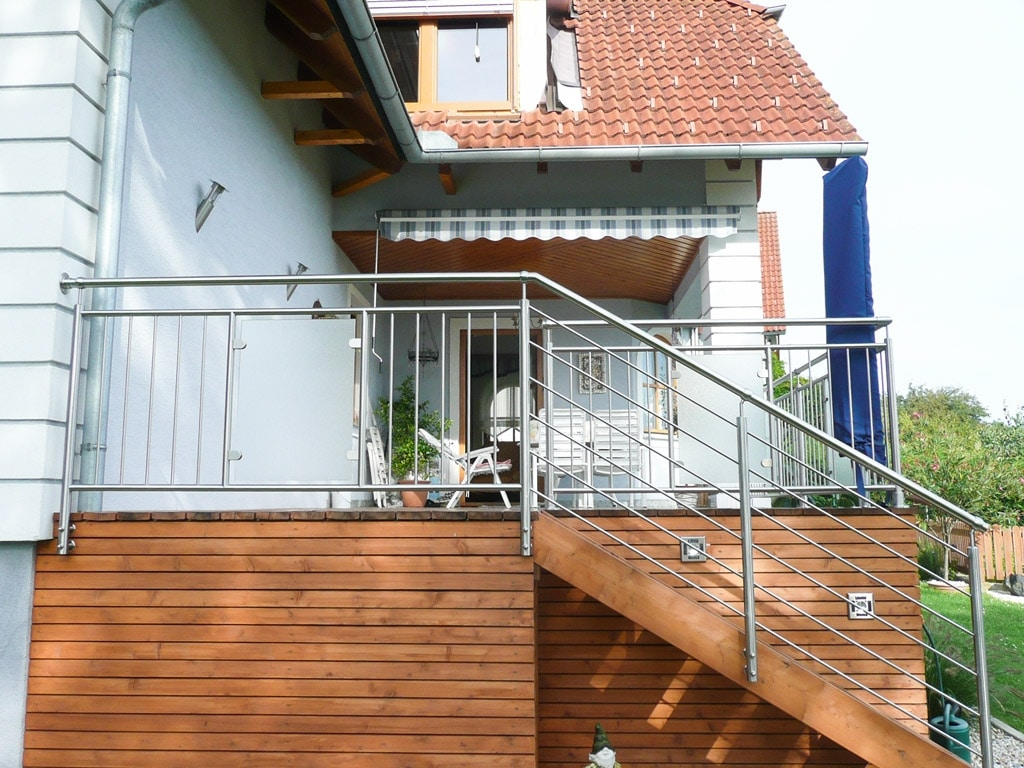 Nürnberg 03 b | Nirosta-Geländer bei Terrasse & Stiege, Stäbe senkrecht & waagrecht & Glas | Svoboda