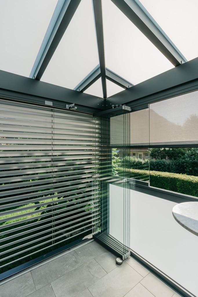 Schiebe-Dreh 14 n | Glaselemente auf einer Seite zusammengeschoben und ausgehängt | Svoboda