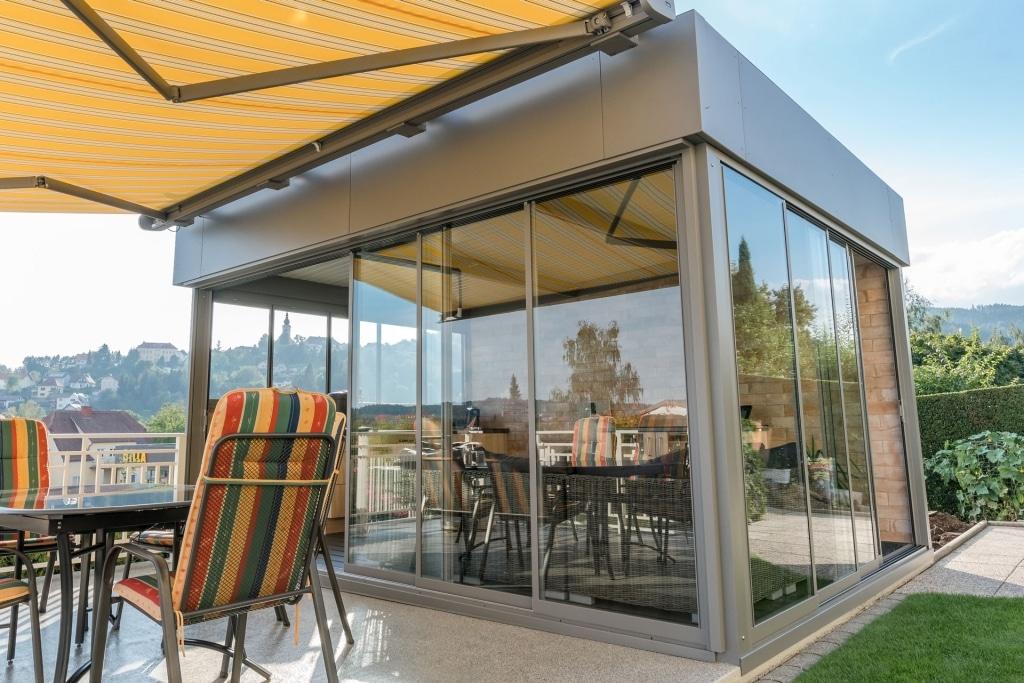 Schiebe R 01 b | Windschutzverglasung & Regenschutzverglasung mit Glas-Schiebe-System | Svoboda