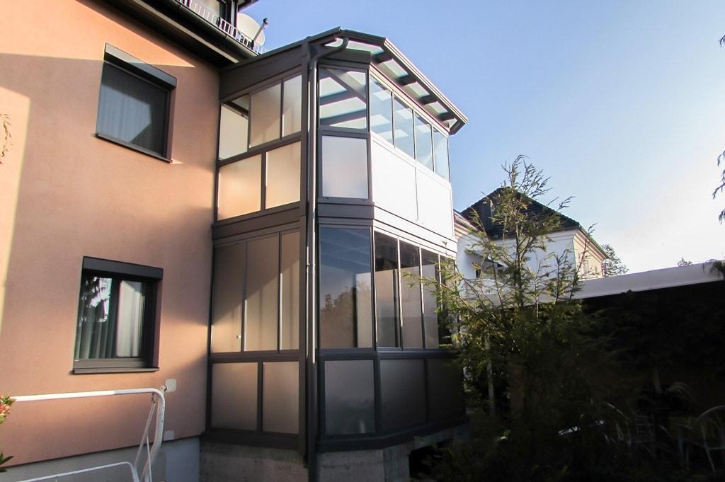 Sommergarten Alu 15 a | graue Alu-Balkon-Konstruktion zweistöckig mit Verglasung Klar-Matt | Svoboda