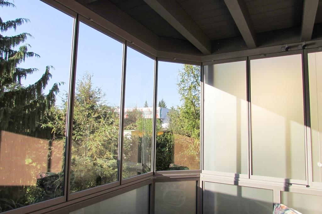 Sommergarten Alu 15 d | Innenansicht Terrassenzubau Aluminium grau mit Komplett-Verglasung | Svoboda