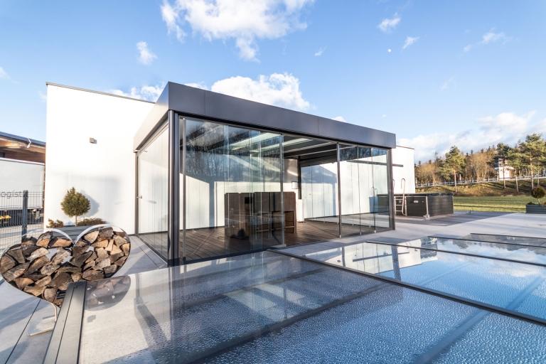 Sommergarten Alu 44 c | Modernes Terrassendach anthrazit mit Wind-/Regenschutz Verglasung| Svoboda