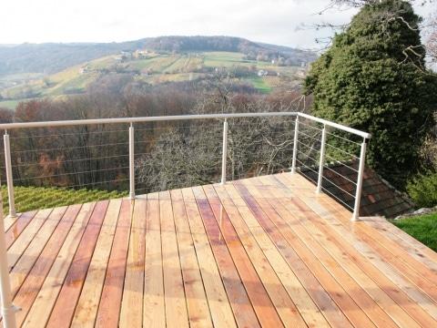Ternitz 01 c | hellgraues Alu-Rundrohr Terrassengeländer mit waagrechten Seilen, Aufsatz | Svoboda