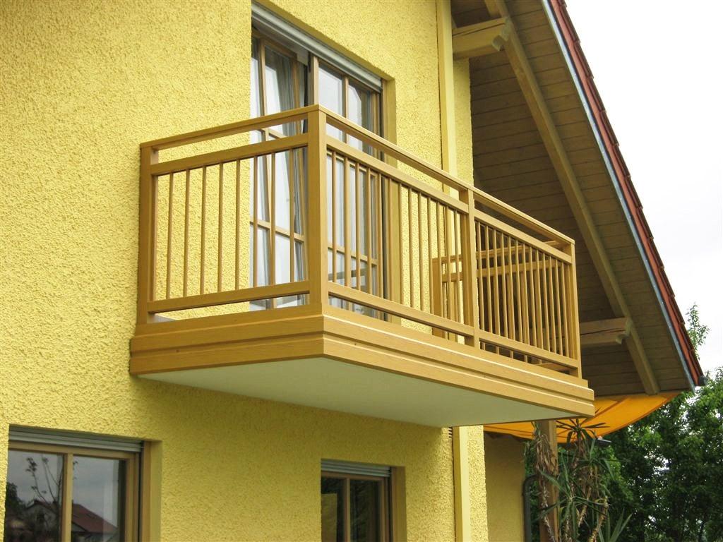 Graz 04 b | schlichter Alu Stab Balkon ockerbraun auf Boden montiert und Platte verblendet | Svoboda
