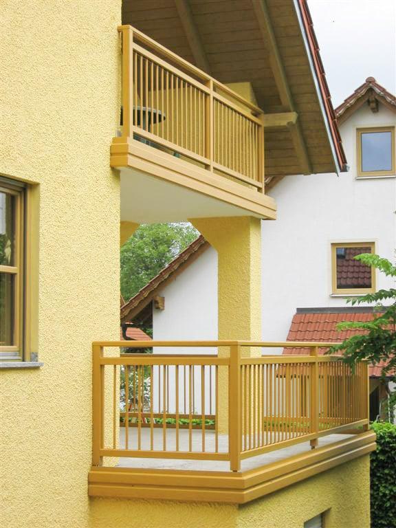 Graz 04 d | Alu Außengeländer bei Balkon & Terrasse aufgesetzt mit stirnseitiger Blende | Svoboda