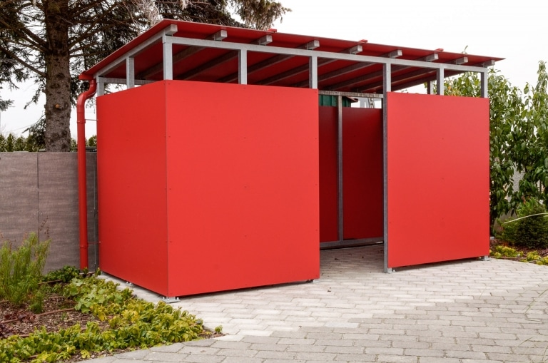 S 12 | Müleinhausung/Geräteeinhausung Stahl verzinkt, Verkleidung & Dach aus roten Platten | Svoboda