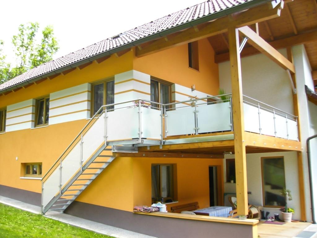 S 31 | Stahl verzinkter Stiegenzubau außen mit Edelstahl-Glas-Geländer | Svoboda Metalltechnik