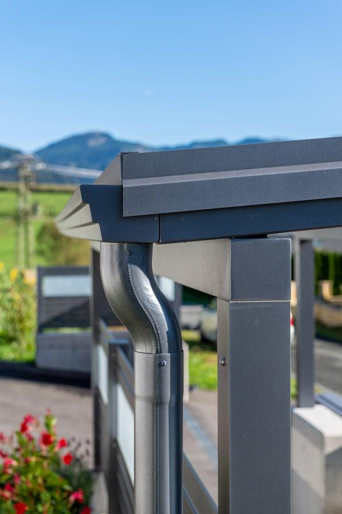 S 36 n | Aluminiumdachrinne und Aluminiumregenablaufrohr grau pulverbeschichtet | Svoboda Metall