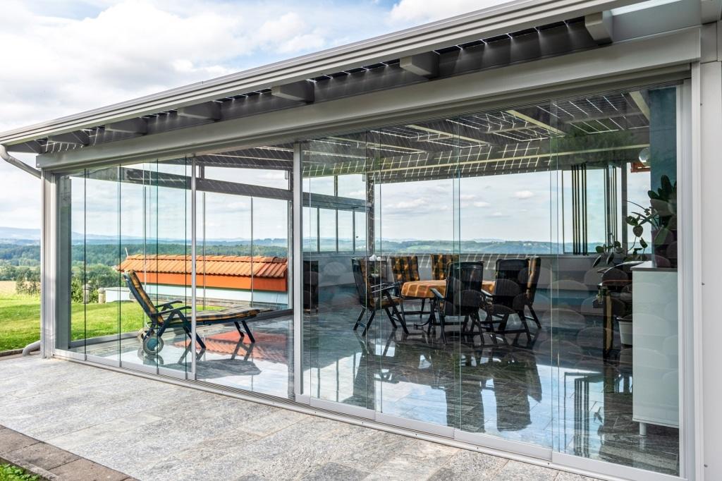 Schiebe 08 a | Regen- und Windschutzverglasung zum Aufschieben bei Alu-Terrassendach grau | Svoboda