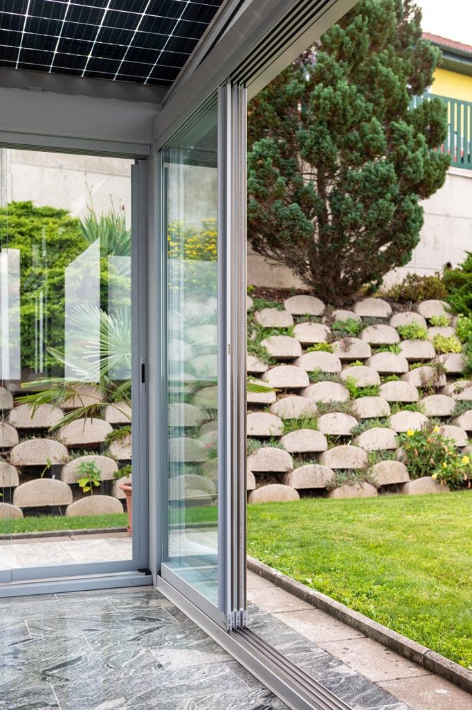 Schiebe 08 f | offene Glas-Schiebe-Elemente bei Alu-Sommergarten grau beschichtet | Svoboda