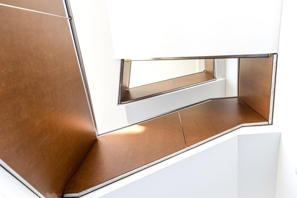 Sonder 02 g | modernes Innengeländer bei Stiegenhaus über mehrere Stockwerke | Svoboda