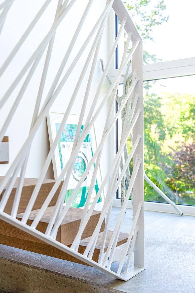 Sonder 03 o | modernes Designer Innenstiegengeländer bei Holztreppe stirnseitig montiert | Svoboda