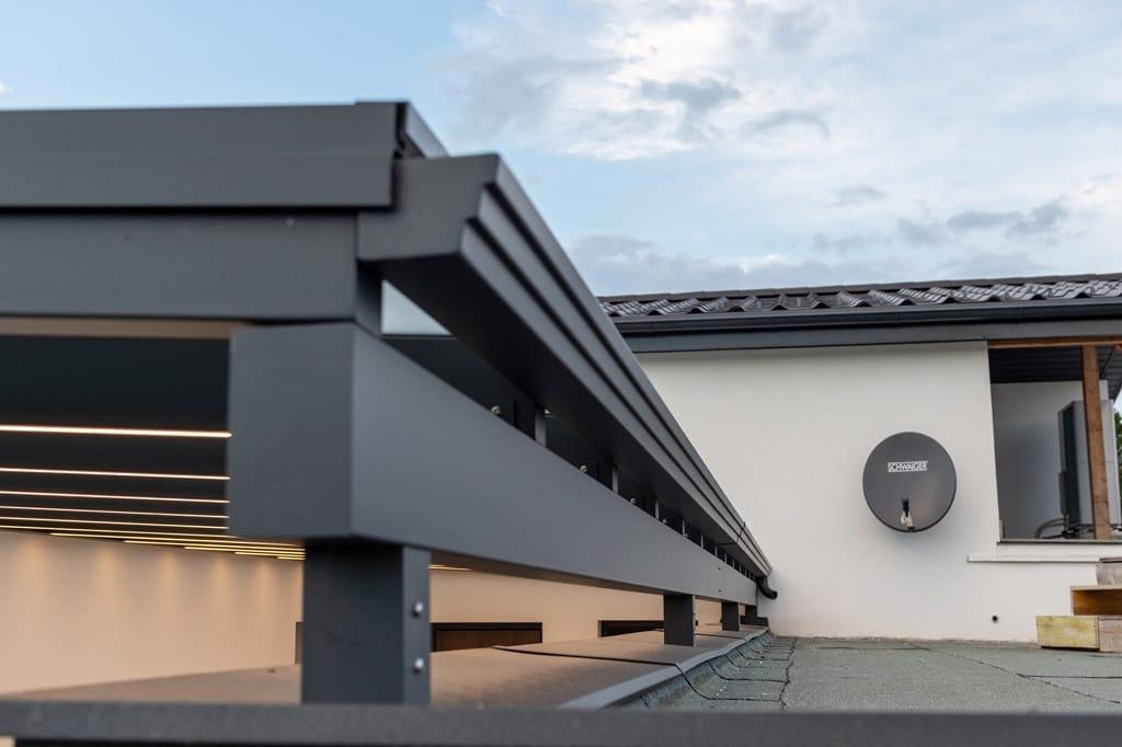 Vordach Alu 47 y | Aluminium-Dachrinne grau pulverbeschichtet bei Alu-Vordach | Svoboda Metall