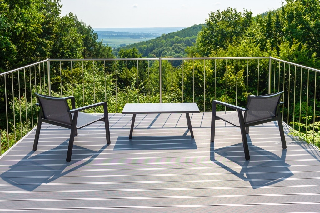 B Alu 18 b | Outdoor-Boden-Belag für die Terrasse aus grau beschichtetem Aluminium | Svoboda