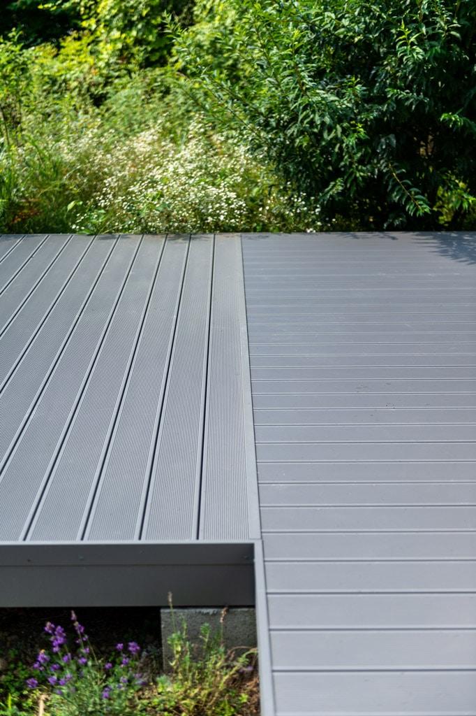 B Alu 18 c | hellgrauer Alu Terrassenboden mit gerillter Oberfläche für Rutschhemmung | Svoboda