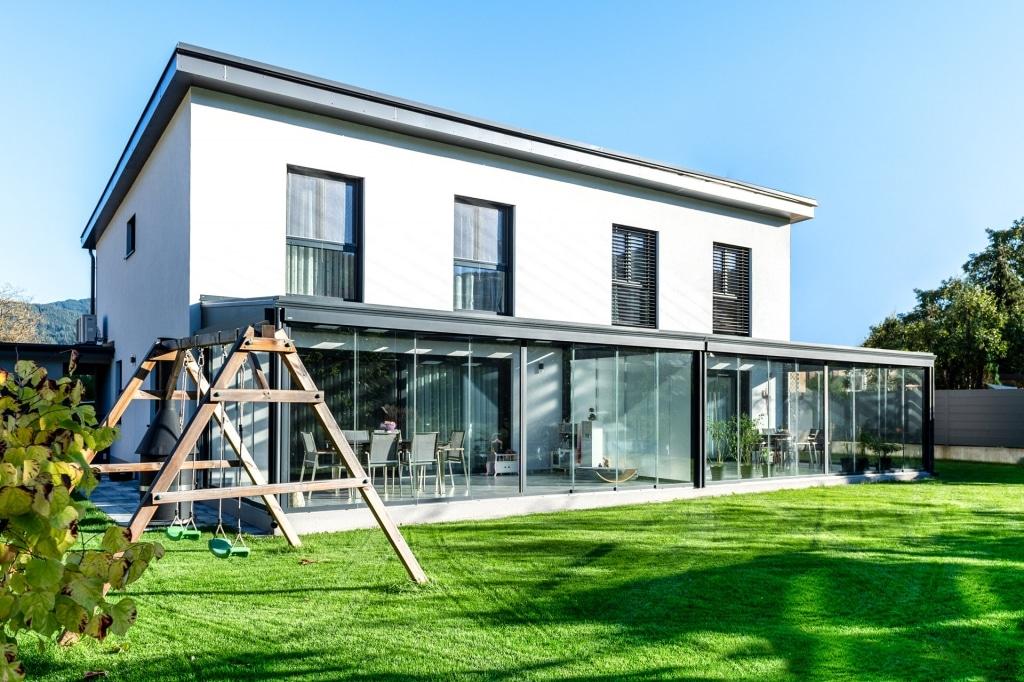 Sommergarten Alu 48 a | moderner Doppel Sommergarten aus Alu-Glas anthrazit, modernes Haus | Svoboda