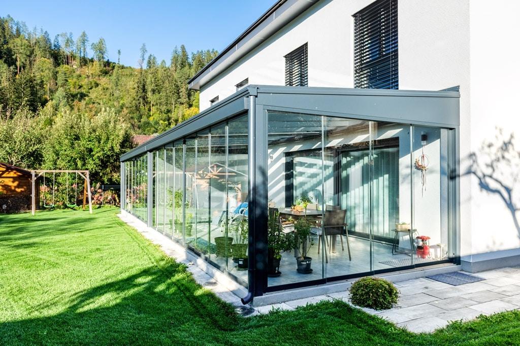 Sommergarten Alu 48 f | unisolierter Kaltwintergartenanthrazit mit Glas-Schiebe-Elementen | Svoboda