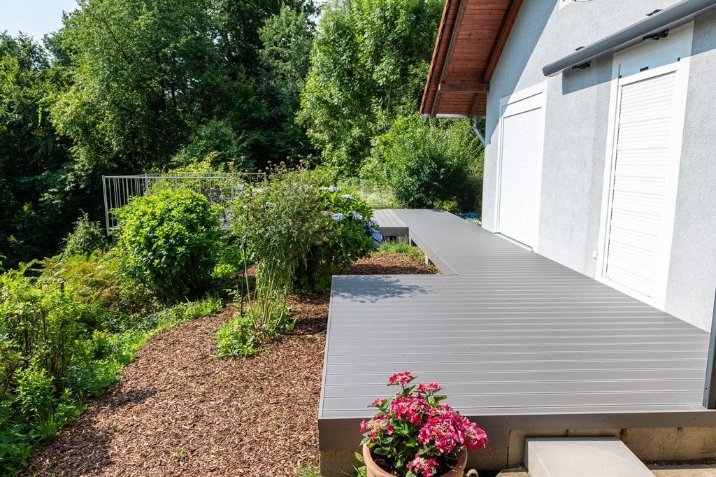 Zubau 19 m | Terrassenanbau mit Aussichtssteg aus Metall mit Edelstahlgeländer & Aluboden | Svoboda
