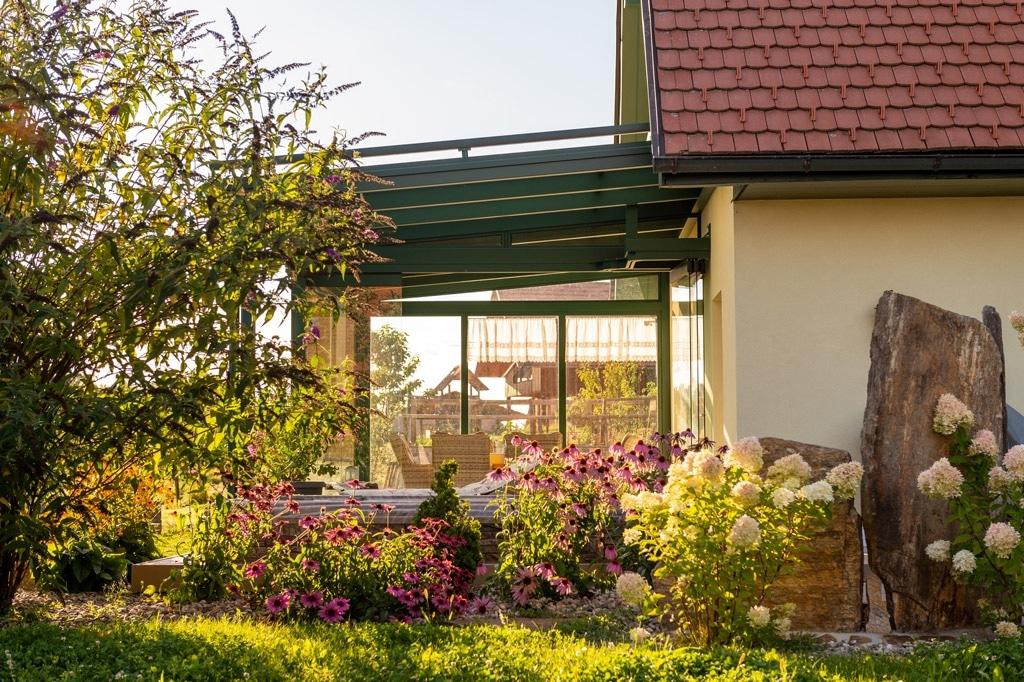 Sommergarten Alu 49 n | Kaltwintergarten aus Aluminium Moosgrün Ral 6005 pulverbeschichtet | Svoboda