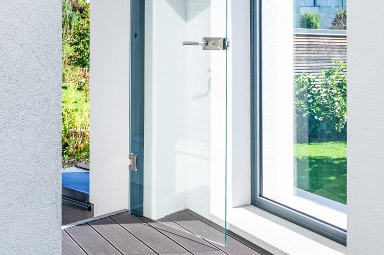 S 40 a | geöffnete Tür aus Glas bei Terrasse für unisolierte Windschutzverglasung | Svoboda